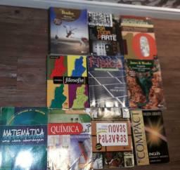 Livros em ótimo estado colégio Sesi