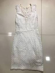 Vestidos brancos com decote