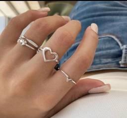 Lindos anéis em prata pura