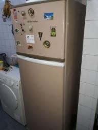 Geladeira Electrolux 2 Portas