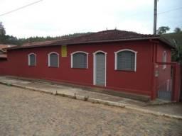 Casa de interior grande com porão individual para aluguel cidade de Lamim 160 KM de BH