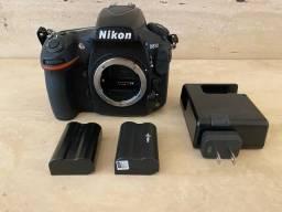 Máquina Nikon D810