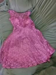 Vendo um vestido semi novo