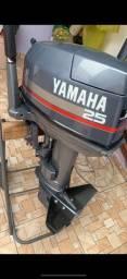 Título do anúncio: Motor de popa 25hp muito conservado  ano 2002