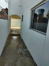 Título do anúncio: Vendo casa localizada no monte Carmelo 2 ( Léia o anúncio)