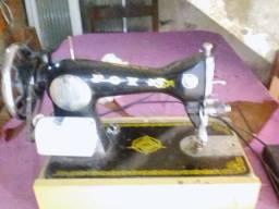 Máquina de Costura <br>Domestica retrô
