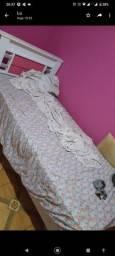 Cama e colchão solteiro rosa e branco