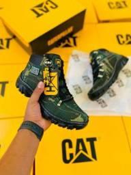 Título do anúncio: Vendo bota caterpillar lançamento ( 140 com entrega)