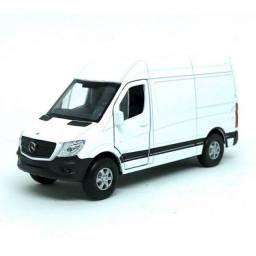 Título do anúncio: Miniatura Carro Mercedes Benz Sprinter  Van - Branco - 1:34-39