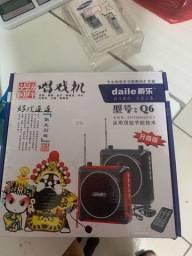 Microfone Amplificador de Voz e Caixa de Som Com USB e Bateria Recarregavel