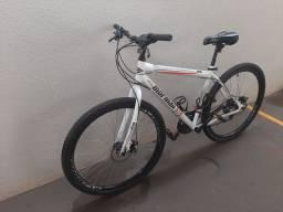 Bike Normaii aro 29 com freios a disco