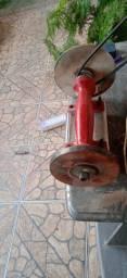 Máquina de afiação de alicates
