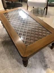 Mesa de centro de madeira treliçada