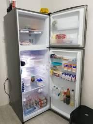 Título do anúncio: Geladeira / Refrigerador Panasonic Duplex NR-BT40BD1X Frost Free 387L Aço Escovado - 110v
