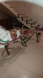 Carrinho a pedal antigo
