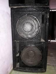 Vendo duas caixas de som por 700 reais