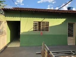 Alugo casa Vila São José