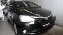 Etios é na HomeCar Veículos - 2013