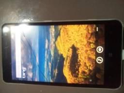 Celular Nokia modelo 625 top com trincado na tela mais não atrapalha nada