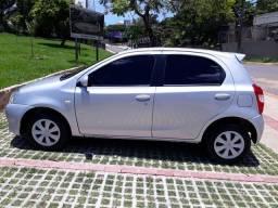 Toyota Etios XS 1.3 Flex 2013 - Completo - 2013