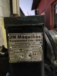 Montadora e desmontadora de pneu