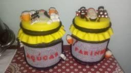 Potes decorados e porta pano de prato decorado