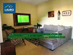 Casa com 04 quartos sendo 02 suítes na Soares da Costa