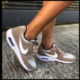 Tênis Nike AIRMAX90