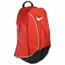 Mochila Nike original - conservada, sem defeitos e sem rasgos