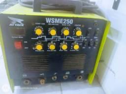 Tig profissional marca WSME 250 amperes com entrada pra acelerador.
