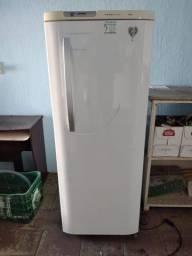 Geladeira Electrolux Frost Free 380L