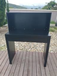 Mesa bancada com uma gaveta fora a fora