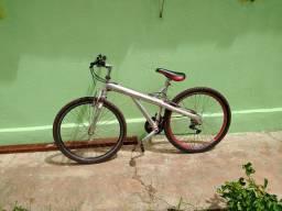 Vendo ou troco por TV smart ou android, bicicleta Caloi T-Type quadro de alumínio.