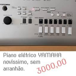 Piano Elétrico YAMAHA