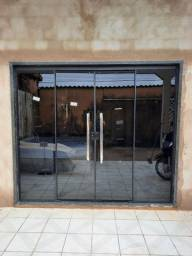 Título do anúncio:  Porta de blindex 2,40x2,10 com os puxadores de 70cm porta grande