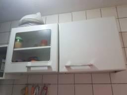 Armario de cozinha e armario microondas