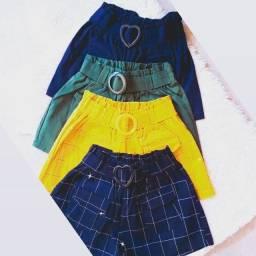 Short bengaline com cinto e bolso