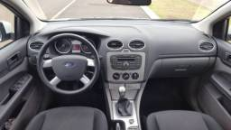 Ford Focus hatch baixo KM