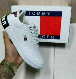 Sapatenis TOMMY