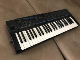 sintetizador Korg Poly800