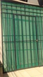 Título do anúncio: Grades protetoras para porta de aço