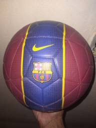 Título do anúncio: Bola barça Original Vendo