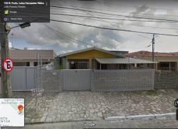 Casa completíssima (3 quartos e um 1º andar)
