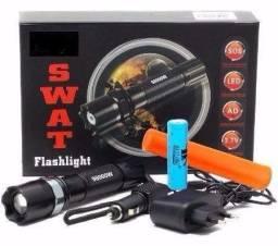 Lanterna recarregável completa com acessórios Swat e sinalizador