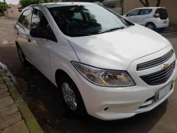 Chevrolet Onix LS Completo + Vidros +Travas +Alarme - 2015