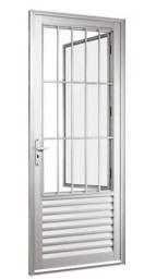 Porta de alumínio com grade e vidro