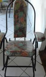 Cadeira de balanço nova no plástico