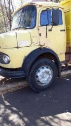 Vendo caminhão 1113 ano75