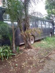 Ônibus lanchonete pronto pra trabalhar