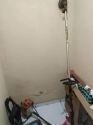 Roçadeira profissional costal FR 220